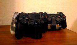 PS4コントローラー充電スタンド(公式製品)購入レビュー、縦置きにして正解だった。